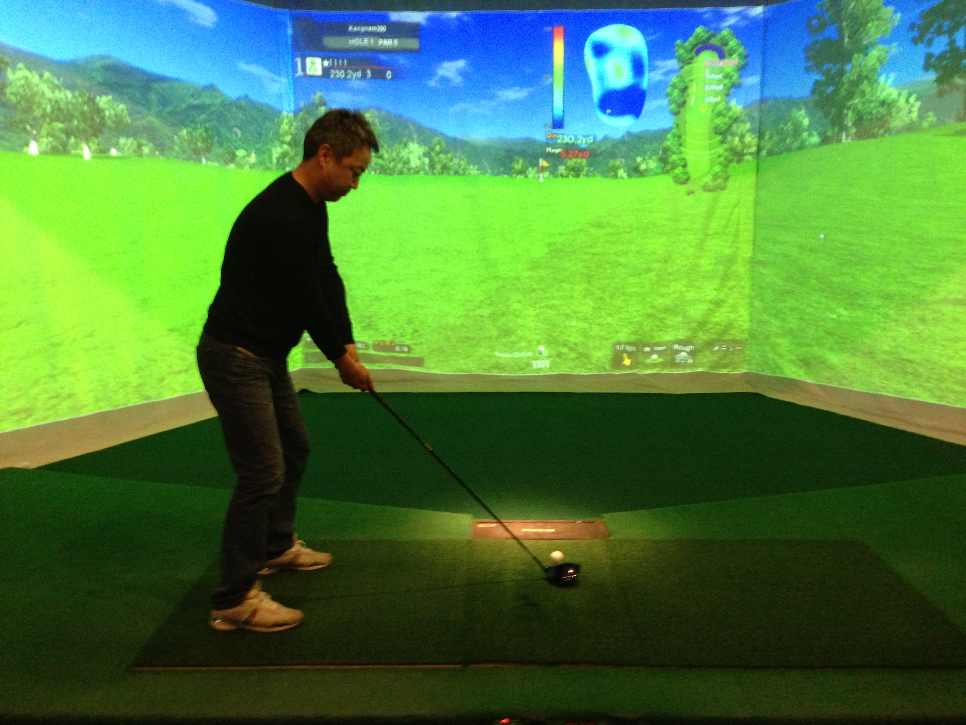 大連でど迫力の3Dシュミレーションゴルフ